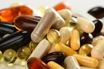 Small pic vitamins supplements