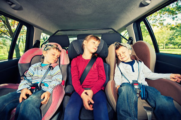 Small pic kids asleep in car